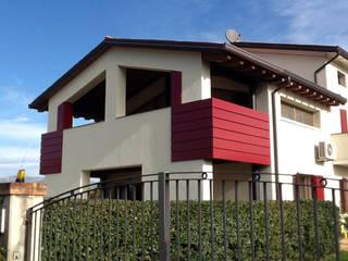 Intervento Edilizio di Ampliamento di un Edificio nel limite del 20% del Volume esistente, Destinazione d'uso residenziale di AREA-PROGETTO Moderno