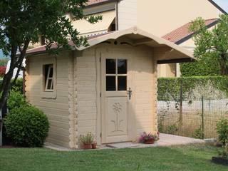 Casetta in legno da giardino La Pratolina...design e qualità unica nel suo genere! di La Pratolina Classico Legno Effetto legno