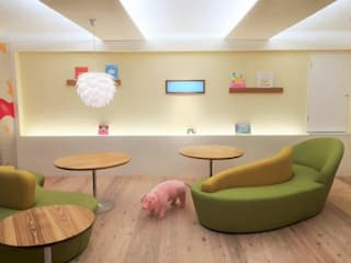 Eclectic style media rooms by 株式会社KIMURA bi-Art Eclectic