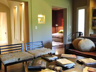 Ruang Keluarga oleh Estudio Moron Saad, Modern