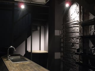 SORCERY DRESSING モダンな商業空間 の (株)グリッドフレーム モダン