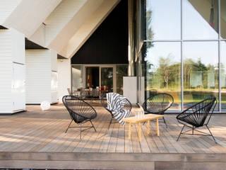 Hafengebäude an der Ostsee Scandinavian style balcony, veranda & terrace by Baltic Design Shop Scandinavian