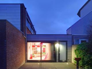 uitbreiding woonhuis Moderne kinderkamers van JMW architecten Modern