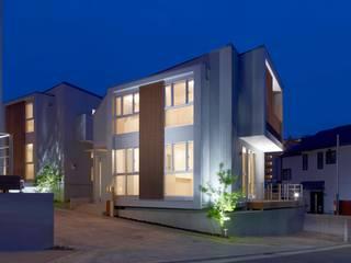Casas modernas de STILL SOLID/スチルソリッド一級建築士事務所 Moderno