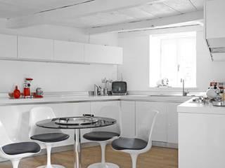 RISTRUTTURAZIONE CASA A TORRE DEL 500 MBA MARCELLA BRUGNOLI ARCHITETTO Cucina in stile scandinavo