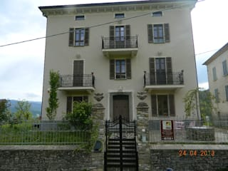 Classic style houses by MBA MARCELLA BRUGNOLI ARCHITETTO Classic