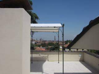 Moderner Balkon, Veranda & Terrasse von baustudio Modern