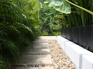 Modern garden by homify Modern