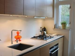 Verbouw woonhuis Arnhem Moderne keukens van Dick van Aken Architectuur Modern