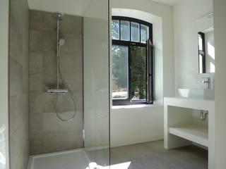 Project met  Cor-bo:  Badkamer door De Plankerij BVBA
