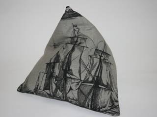 Tabletkissen Petra Popp WohnzimmerAccessoires und Dekoration Textil Grau