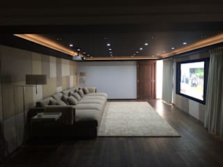 Portfolio Classic style media room by CPD Sound & Vision Classic