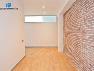 Industrial style walls & floors by Grupo Inventia Industrial Bricks