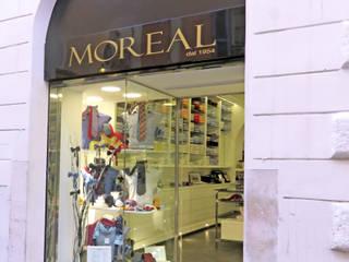 Restyling locale commerciale Negozi & Locali commerciali moderni di Architetto Roberta Rinaldi Moderno