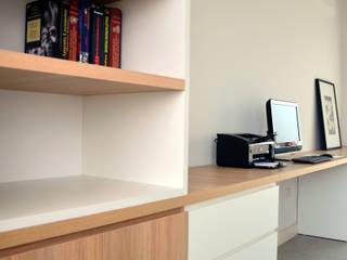 RÜM Proyectos y Diseño Навчання/офісШафи і стелажі
