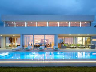 Molins Design Mediterranean style house Ceramic White