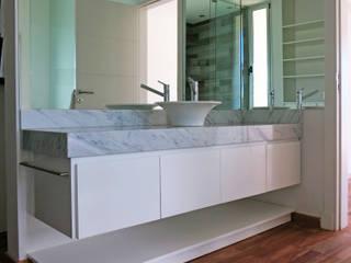 Fotos RÜM: Baños de estilo  por RÜM Proyectos y Diseño