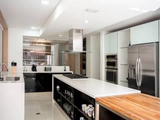 Cocina: Cocinas de estilo  por KDF Arquitectura