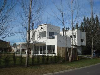 CASA GUINTER Estudio d360 Modern Houses