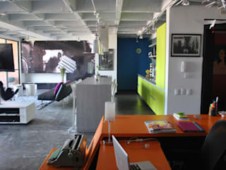 APARTAMENTO SIERRAS: Salas de estilo  por santiago dussan architecture & Interior design, Ecléctico