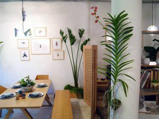 Living room by Clorofilia, Tropical Plywood