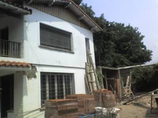 Casas de estilo clásico de ReformArq - Casas, reformas y ampliaciones Clásico