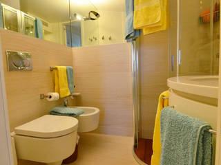 appartement roquebrune cap martin : Salle de bains de style  par kmmarchitecture