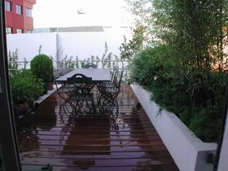 Varandas, marquises e terraços modernos por Estudio Marta Byrne Paisajismo Moderno