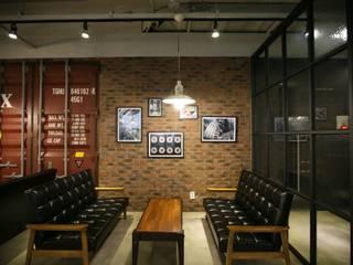 MEDIA + CAFE [Hu:] by cref 크리프 모던