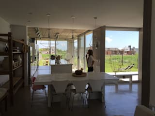 Casa Q Comedores de estilo moderno de Felipe Gonzalez Arzac Moderno
