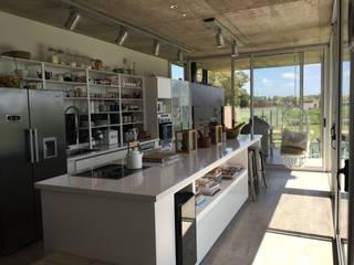 Casa Q Modern kitchen by Felipe Gonzalez Arzac Modern