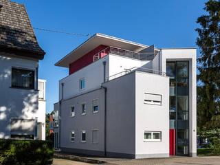 Treppenhaus Straßenseite:  Häuser von aaw Architektenbüro Arno Weirich