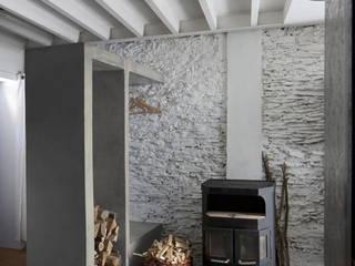 Habitation LAR Salon minimaliste par adn architectures Minimaliste