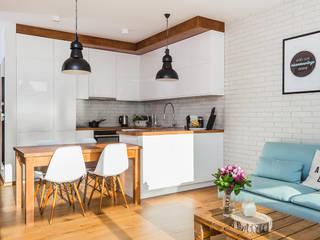 scandinavian Kitchen by Kameleon - Kreatywne Studio Projektowania Wnętrz