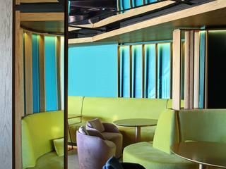 by Estudio de Arquitectura Teresa Sapey Modern