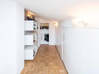 Phòng thay đồ by Karl Kaffenberger Architektur | Einrichtung