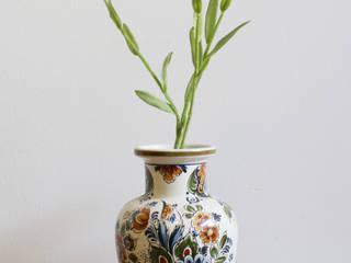 Prachtige vintage vaas van Flora/Delft. :   door Flat sheep