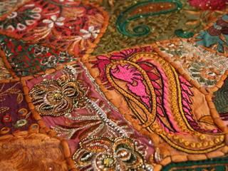 Vintage Sari Patchwork Tischläufer und Tischdecken aus Indien von Johanna Khan Asiatisch