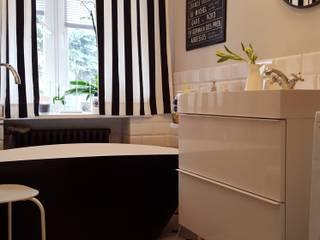 Classic style bathroom by Project Art Joanna Grudzińska-Lipowska Classic