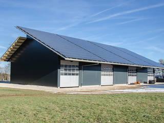 Garage / Hangar de style  par Hauptvogel & Schütt Planungsgruppe, Industriel