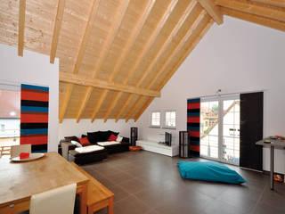Salon de style  par Hauptvogel & Schütt Planungsgruppe, Classique