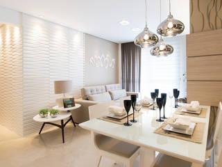 Гостиная в стиле модерн от TRÍADE ARQUITETURA Модерн