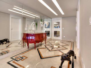 VL Arquitetura e Interiores Classic style corridor, hallway and stairs
