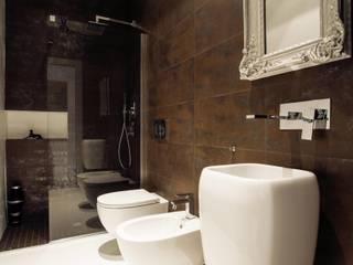 Salle de bain minimaliste par Buildesign Minimaliste