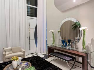 现代客厅設計點子、靈感 & 圖片 根據 Arquiteto Aquiles Nícolas Kílaris 現代風