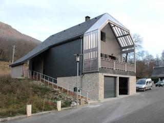 Maison N (finitions en cours): Maisons de style de style Moderne par Atelier S