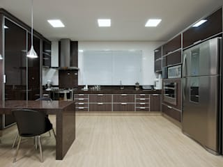 Livia Martins Arquitetura e Interiores Kitchen