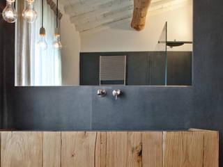 Baños de estilo  por MIDE architetti