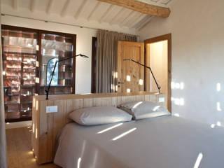 Nuovo progetto Camera da letto in stile rustico di MIDE architetti Rustico