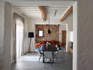 Nuovo progetto Soggiorno in stile rustico di MIDE architetti Rustico